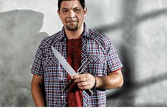 Ab 99,- € – Jedes Shun-Messer ein Kunstwerk: Durch Veredelung der natürlich-schönen Damaszener-Maserung erhält jedes Messer seinen einzigartigen und individuellen Charakter. KAI SHUN TIM MÄLZER SERIE : Direkt zur Übersicht…> […]